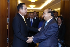 Thủ tướng gặp gỡ các nhà lãnh đạo bên lề Hội nghị ASEAN 34