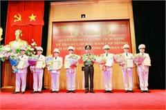 Thăng hàm cấp tướng cho 9 sĩ quan công an cao cấp