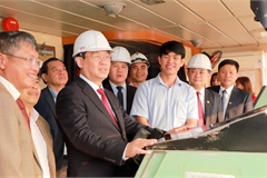 Phó Thủ tướng Vương Đình Huệ chúc Tết cán bộ, nhân viên 'bám trận địa sản xuất'