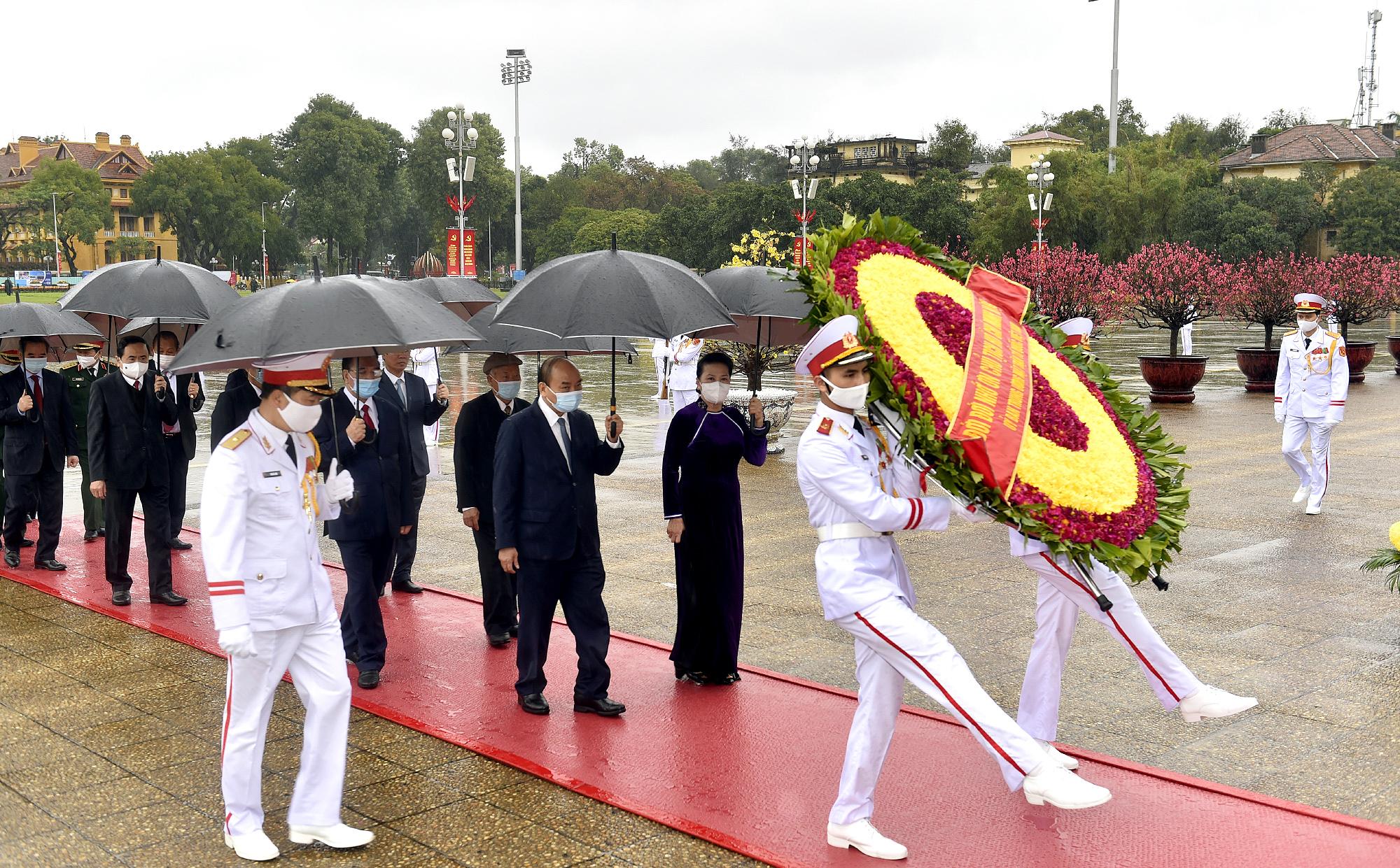 Lãnh đạo Đảng, Nhà nước tưởng nhớ Chủ tịch Hồ Chí Minh và các Anh hùng liệt sĩ