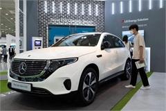 Showroom ô tô ở Trung Quốc trống rỗng vì thiếu xe mẫu