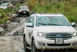SUV 7 chỗ giá 1,4 tỷ, chọn Toyota Fortuner hay Ford Everest?