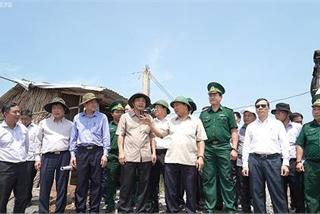 Nghe VietNamNet: Thủ tướng thị sát 'điểm nóng' sạt lở tại ĐBSCL