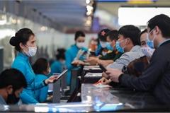 Sân bay đông đúc sau khi tăng chuyến bay nội địa