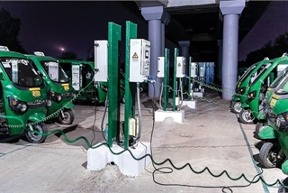 Ấn Độ phát triển mạnh xe 3 bánh chạy điện