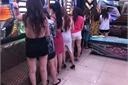 Giải cứu 6 bé gái bị 2 kẻ buôn người lừa bán vào quán karaoke, cắt tóc gội đầu