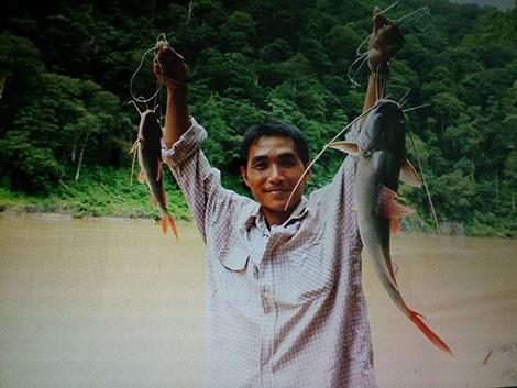 Săn cá khủng trên dòng sông chảy ngược ở Tây Nguyên - ảnh 4