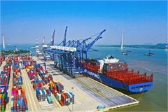 Investors find VN ports, logistics attractive