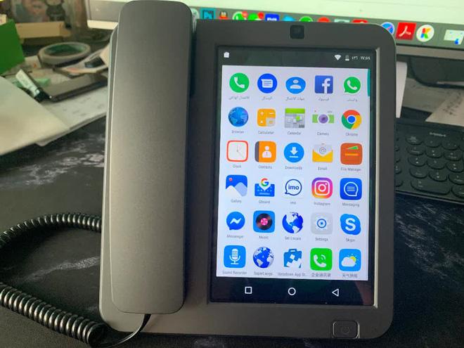 Cận cảnh chiếc điện thoại bàn thông minh chạy Android đang hot trên MXH những ngày qua - Ảnh 11.