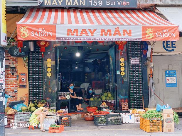 Chuyện khó tin ở Sài Gòn: Tụ điểm bar pub hot nhất nay đã trở thành chỗ bán rau? - Ảnh 2.