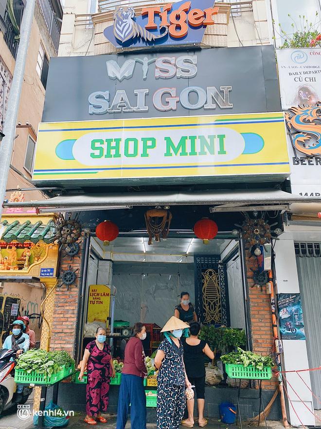 Chuyện khó tin ở Sài Gòn: Tụ điểm bar pub hot nhất nay đã trở thành chỗ bán rau? - Ảnh 7.