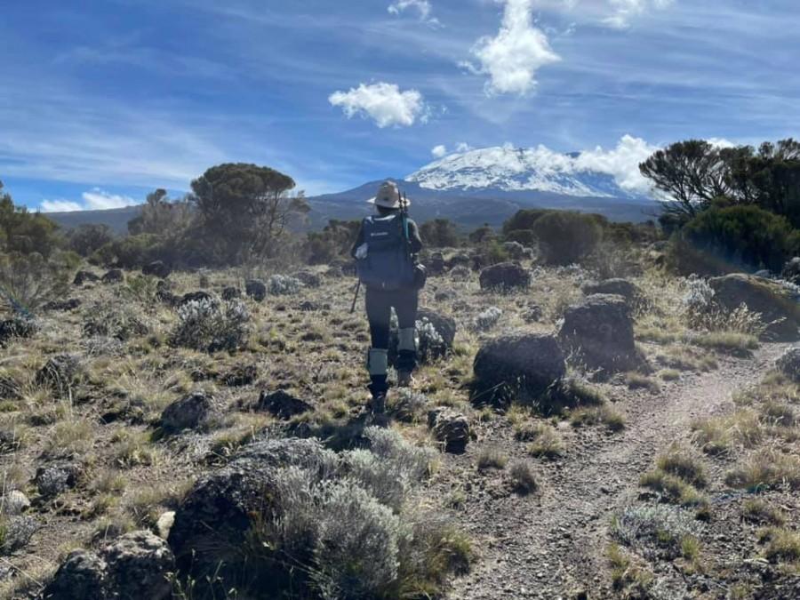 Sếp Viettel trở thành nữ 9x Việt Nam đầu tiên chinh phục Nóc nhà của Châu Phi Kilimanjaro: Leo 8 ngày liên tiếp, xuyên qua vùng nắng rát chóng mặt đến nơi -20 độ C - Ảnh 16.