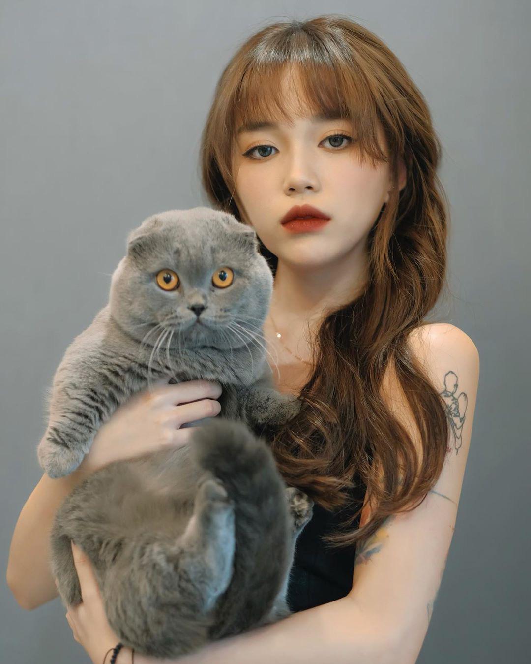 Streamer giàu có sở thích đốt tiền: Độ Mixi chơi mô hình tiền tỷ, Linh Ngọc Đàm nuôi mèo hàng trăm triệu đồng - Ảnh 9.