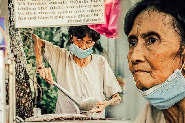 Thương lắm Sài Gòn ơi! - dự án ảnh chụp người lao động nghèo đầy cảm xúc của travel blogger trẻ Nguyễn Kỳ Anh - Ảnh 7.