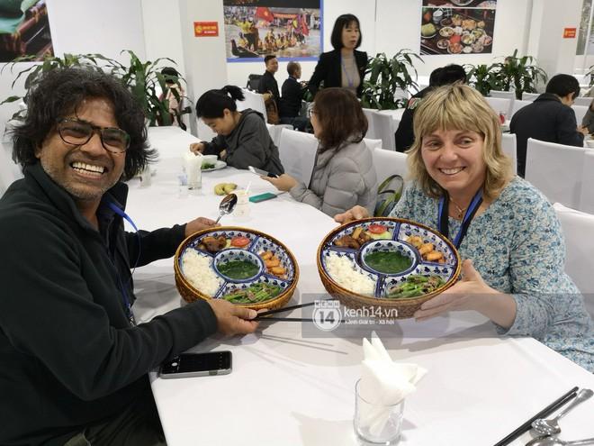 Chỉ nhìn qua vài món đãi phóng viên quốc tế thời gian Hội nghị thượng đỉnh cũng thấy ngay những địa điểm ăn uống nức tiếng Hà Nội - Ảnh 13.
