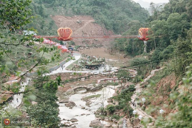 Tranh cãi xoay quanh yếu tố thẩm mỹ của cây cầu 5D đang gây sốt ở Mộc Châu: Khen đẹp thì ít nhưng chê bai sến súa, lạc lõng nhiều vô kể - Ảnh 20.