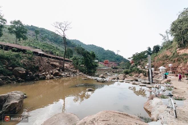 Tranh cãi xoay quanh yếu tố thẩm mỹ của cây cầu 5D đang gây sốt ở Mộc Châu: Khen đẹp thì ít nhưng chê bai sến súa, lạc lõng nhiều vô kể - Ảnh 22.