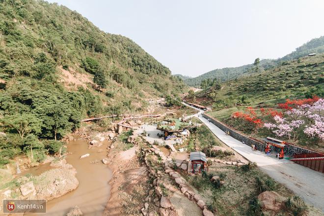 Tranh cãi xoay quanh yếu tố thẩm mỹ của cây cầu 5D đang gây sốt ở Mộc Châu: Khen đẹp thì ít nhưng chê bai sến súa, lạc lõng nhiều vô kể - Ảnh 46.