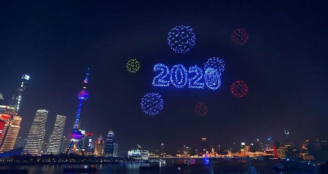 2.000 máy bay không người lái trình diễn trong đêm giao thừa ở Thượng Hải hóa ra là cú lừa của truyền thông Trung Quốc - Ảnh 4.