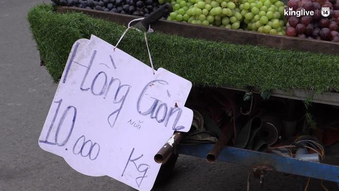 """Tuyệt chiêu sử dụng số """"tàng hình"""" trên biển quảng cáo của những người bán hàng ở Sài Gòn - Ảnh 2."""