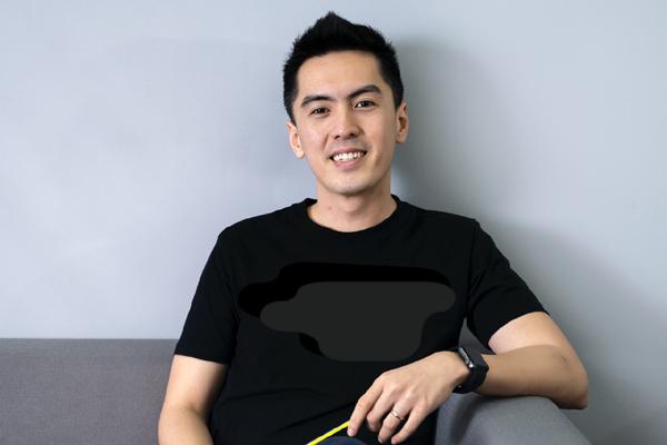 Tân CEO Gojek Việt Nam gây bão mạng vì để lộ góc nghiêng điển trai khi bị chụp lén trong văn phòng : Cao 1m84, nói tiếng Anh như gió, biết chơi nhiều nhạc cụ - Ảnh 5.