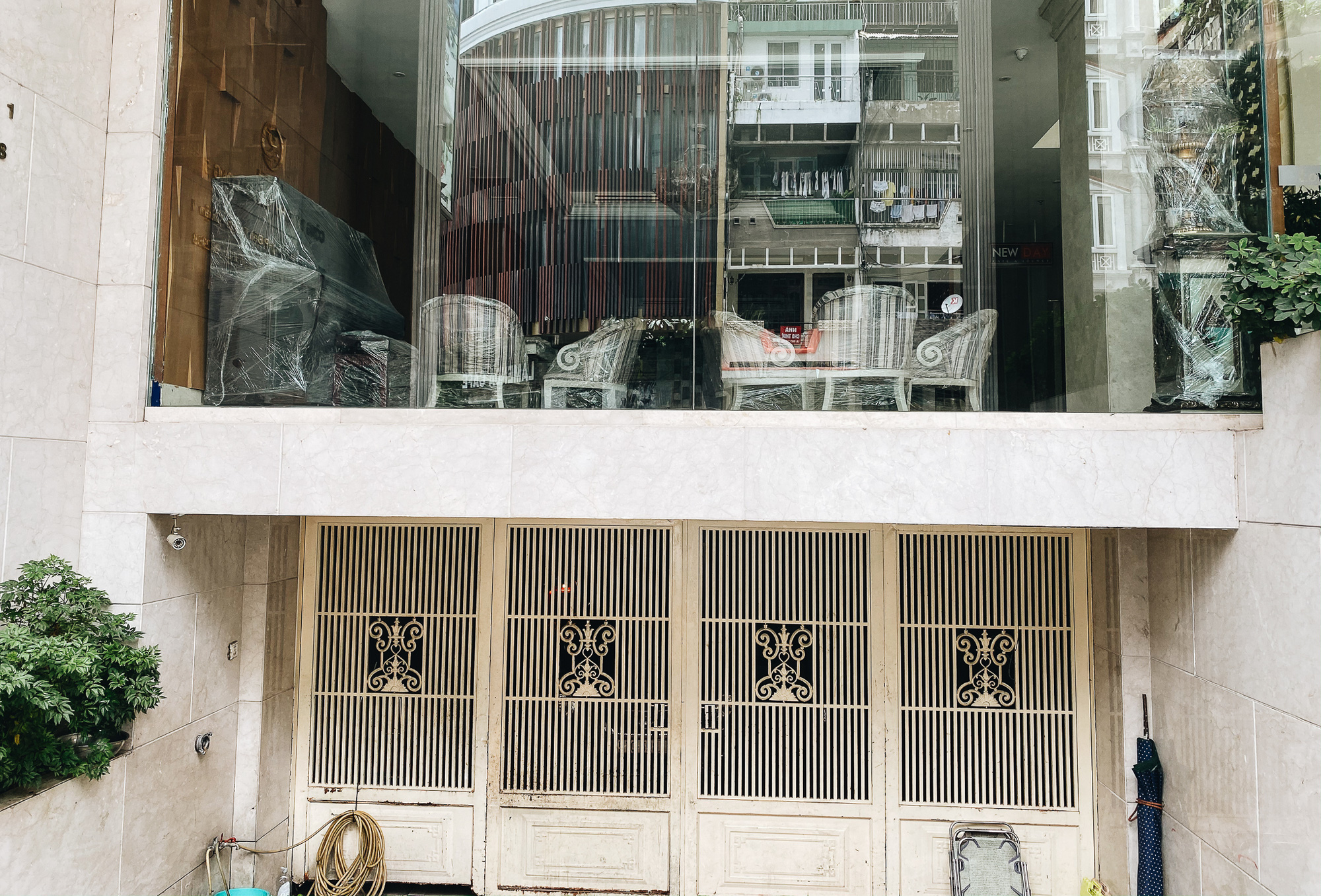 Chùm ảnh: Khách sạn ở trung tâm Sài Gòn ngừng hoạt động, rao bán vì ngấm đòn Covid-19 - Ảnh 5.