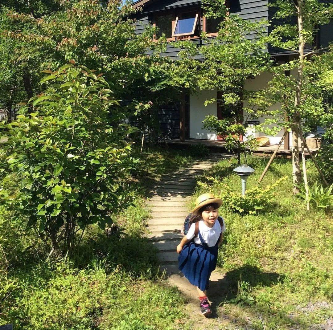 Bỏ phố về vùng nông thôn, gia đình 5 người biến cuộc sống trong ngôi nhà gỗ thành thiên đường ai cũng ước mơ - Ảnh 18.