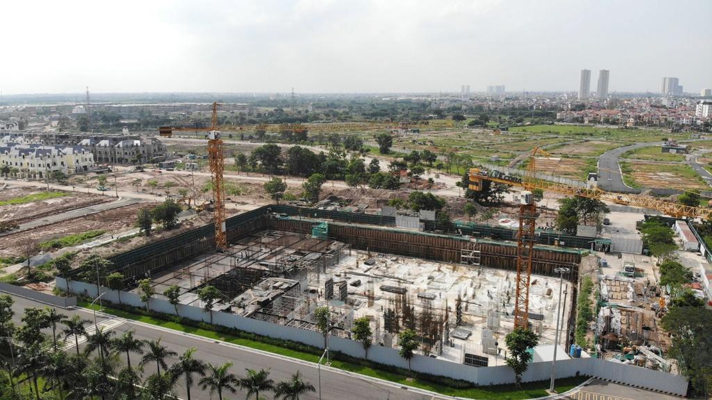 Bất ngờ với ông chủ siêu dự án hot nhất Hà Nội vừa bị thanh tra, nắm trong tay hàng trăm ha đất vàng, sở hữu hai doanh nghiệp BĐS lớn, là người giàu thứ 67 trên sàn chứng khoán Việt Nam - Ảnh 1.