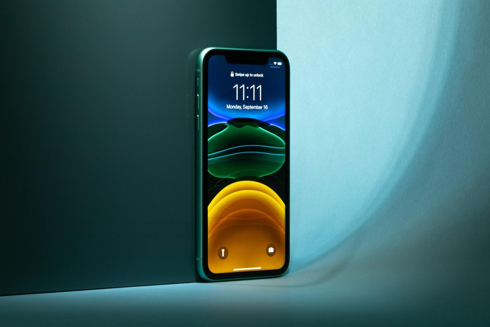 Sau giảm giá, chiếc iPhone này tăng doanh số 10-20 lần, muốn mua phải xếp hàng đợi - Ảnh 2.
