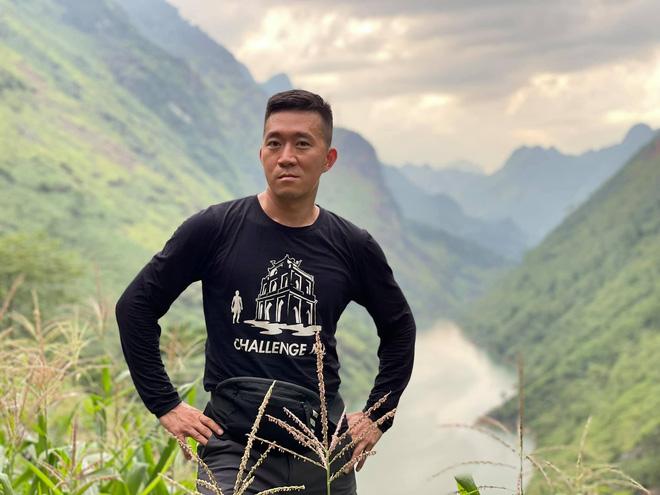 YouTuber máu liều nhất Việt Nam: Đi khắp đất nước khám phá toàn địa điểm rùng rợn, thu nhập mỗi tháng có khi lên đến cả trăm triệu đồng - Ảnh 1.