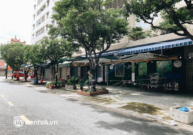 Ảnh: Nhiều quán cafe nổi tiếng, cơm tấm Sài Gòn vẫn trong tình trạng ngủ đông dù được bán mang về - Ảnh 14.