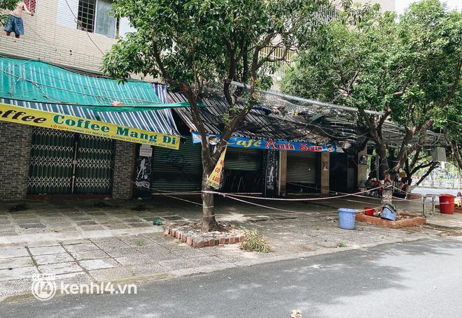 Ảnh: Nhiều quán cafe nổi tiếng, cơm tấm Sài Gòn vẫn trong tình trạng ngủ đông dù được bán mang về - Ảnh 15.