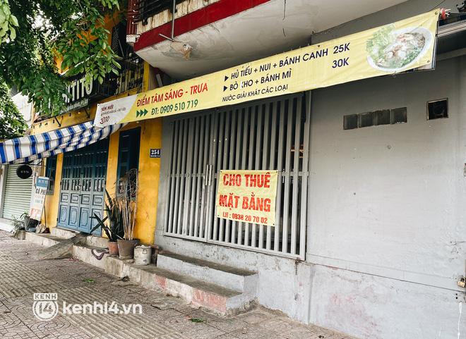 Ảnh: Nhiều quán cafe nổi tiếng, cơm tấm Sài Gòn vẫn trong tình trạng ngủ đông dù được bán mang về - Ảnh 7.