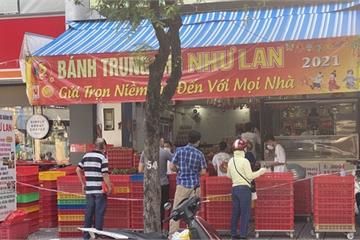 Hốt hụi chót: Người Sài Gòn hùng hục đi săn... bánh Trung thu vào sáng nay, mặc kệ Rằm tháng 8 đã qua tận 10 ngày!