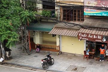 """""""Đóng băng"""" hoạt động gần 2 tháng, hàng loạt quán cà phê Hà Nội rao bán, đại hạ giá 4-5 lần"""