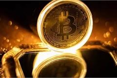 Đầu tư trong tương lai là vàng hay Bitcoin?