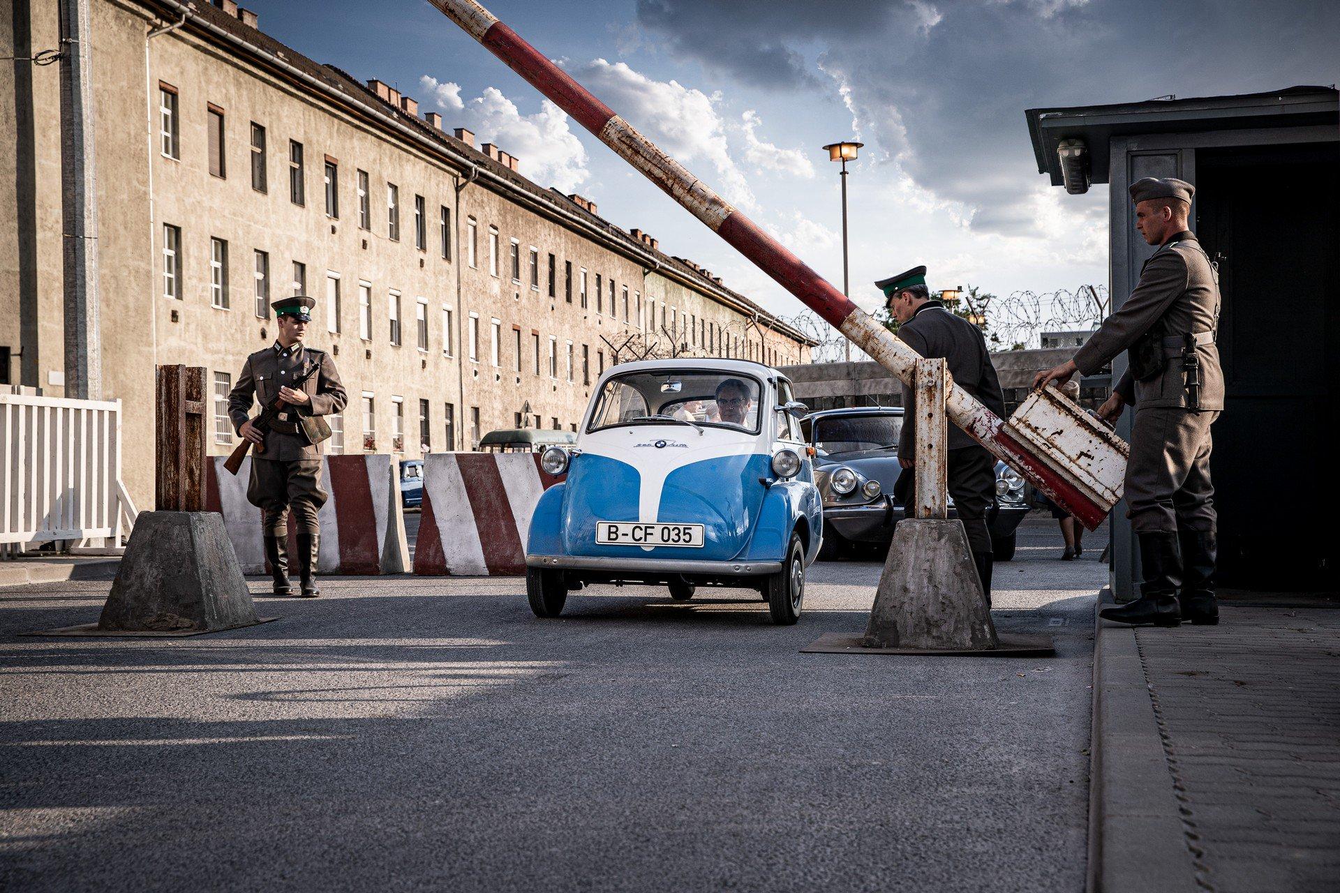 BMW Isetta là mẫu xe cỡ nhỏ được ưa chuộng những năm 50 60 của thế kỷ trước