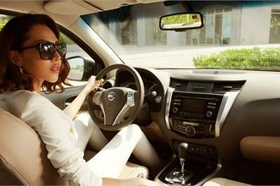 10 lỗi lơ đễnh phổ biến khi lái xe