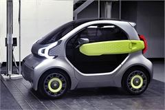 Sắp có ô tô điện giá 230 triệu đồng, thoải mái dạo phố Hà Nội đông đúc