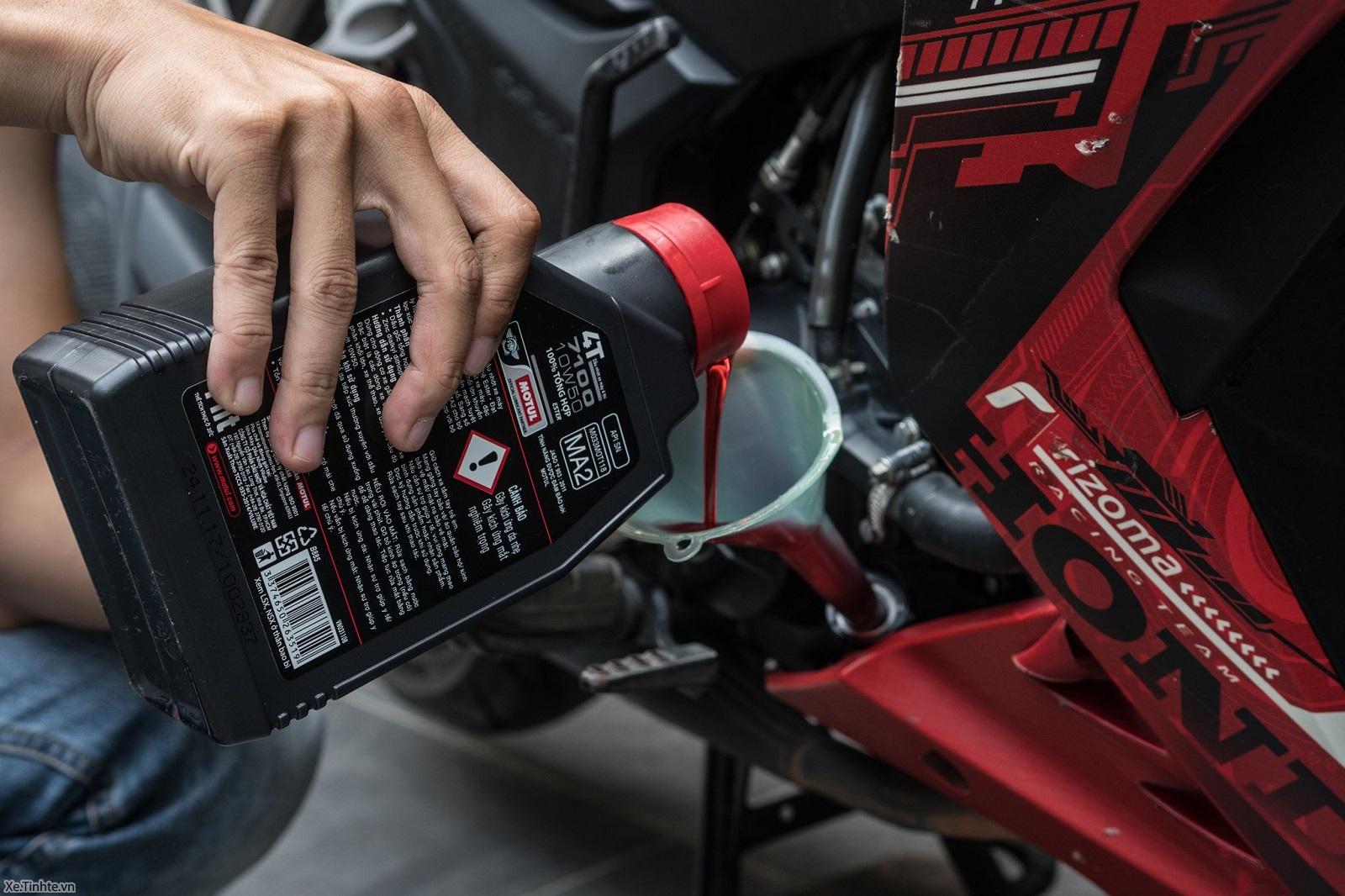 thay dầu nhớt xe máy