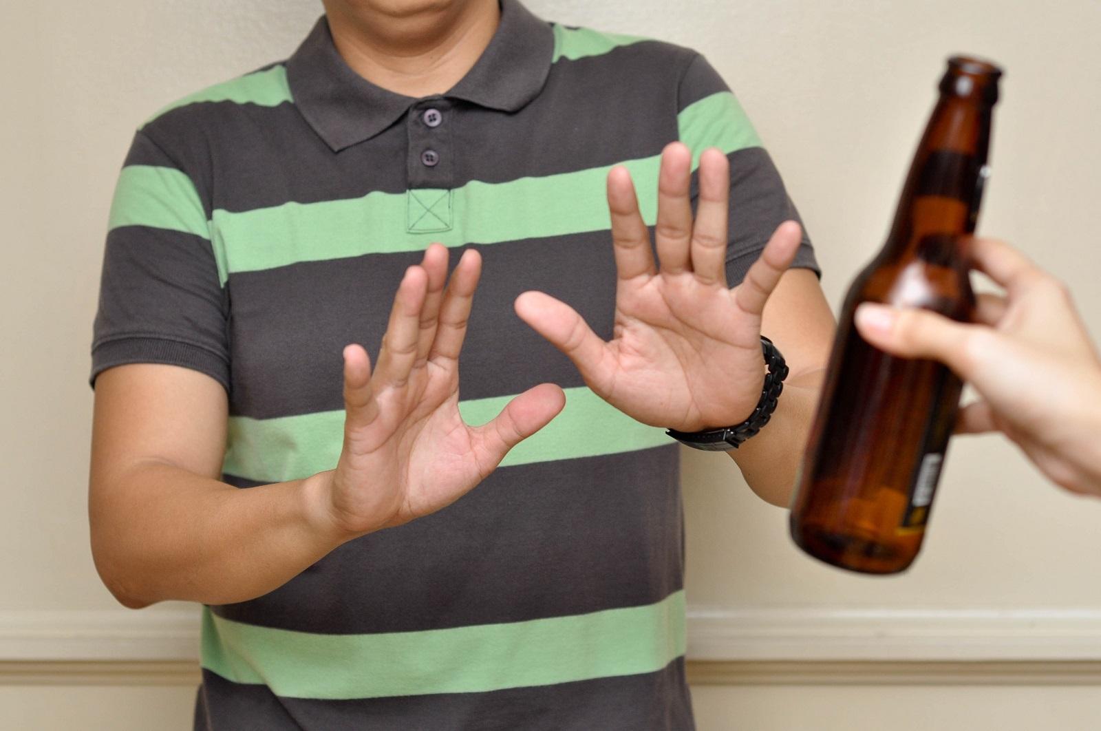 không uống rượu, bia trước khi lái xe.