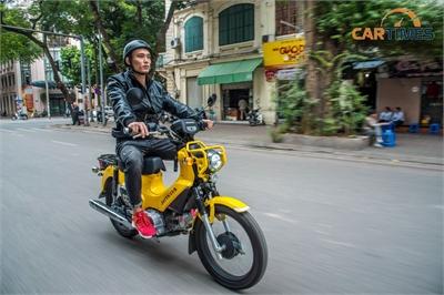 """Soi chi tiết xe """"độc"""" Honda Cross Cub 110cc giá hơn trăm triệu đồng tại Hà Nội"""