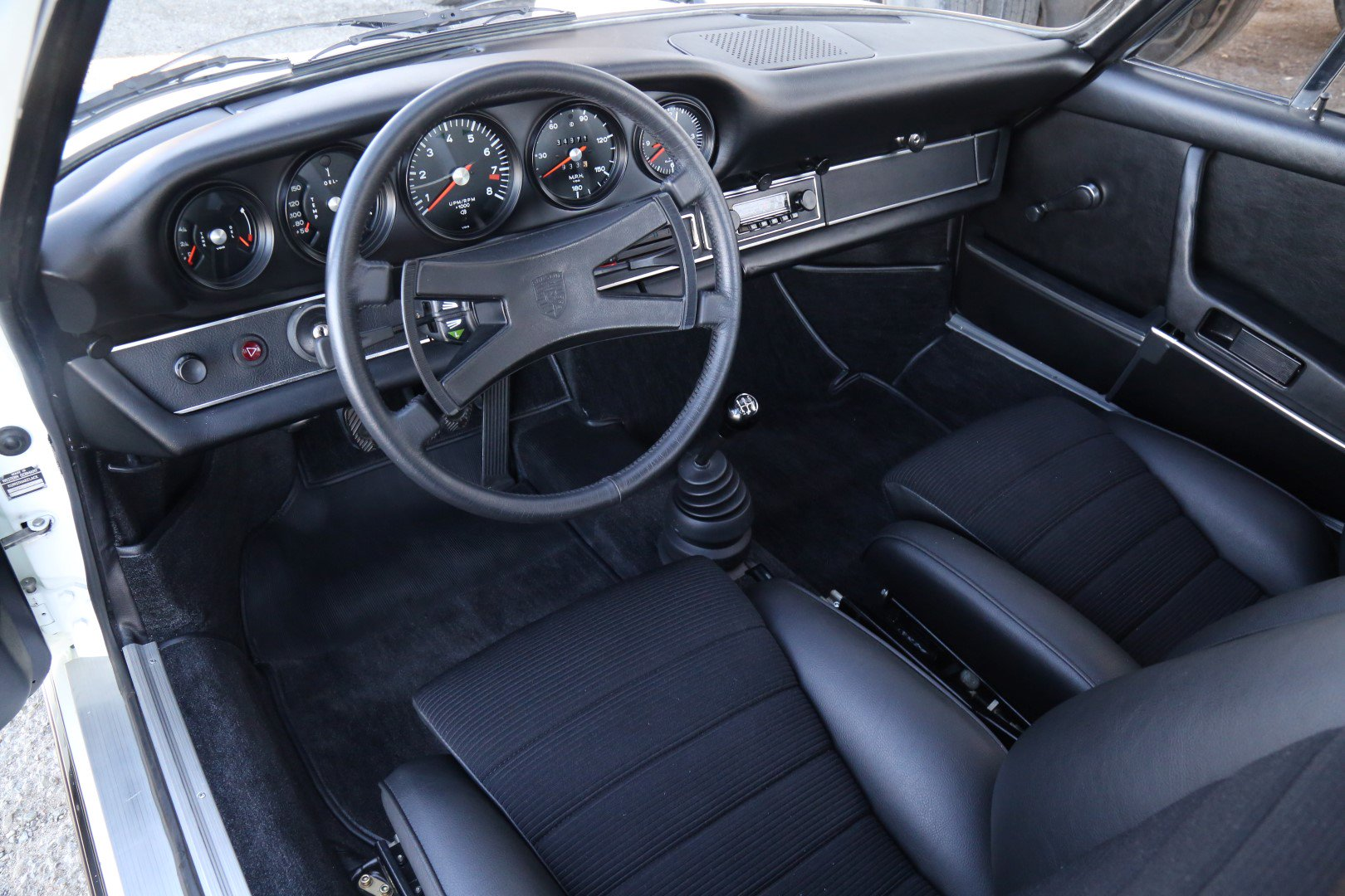 Thiết kế cabin xe Porsche 911 Carrera RS 2.7 1973