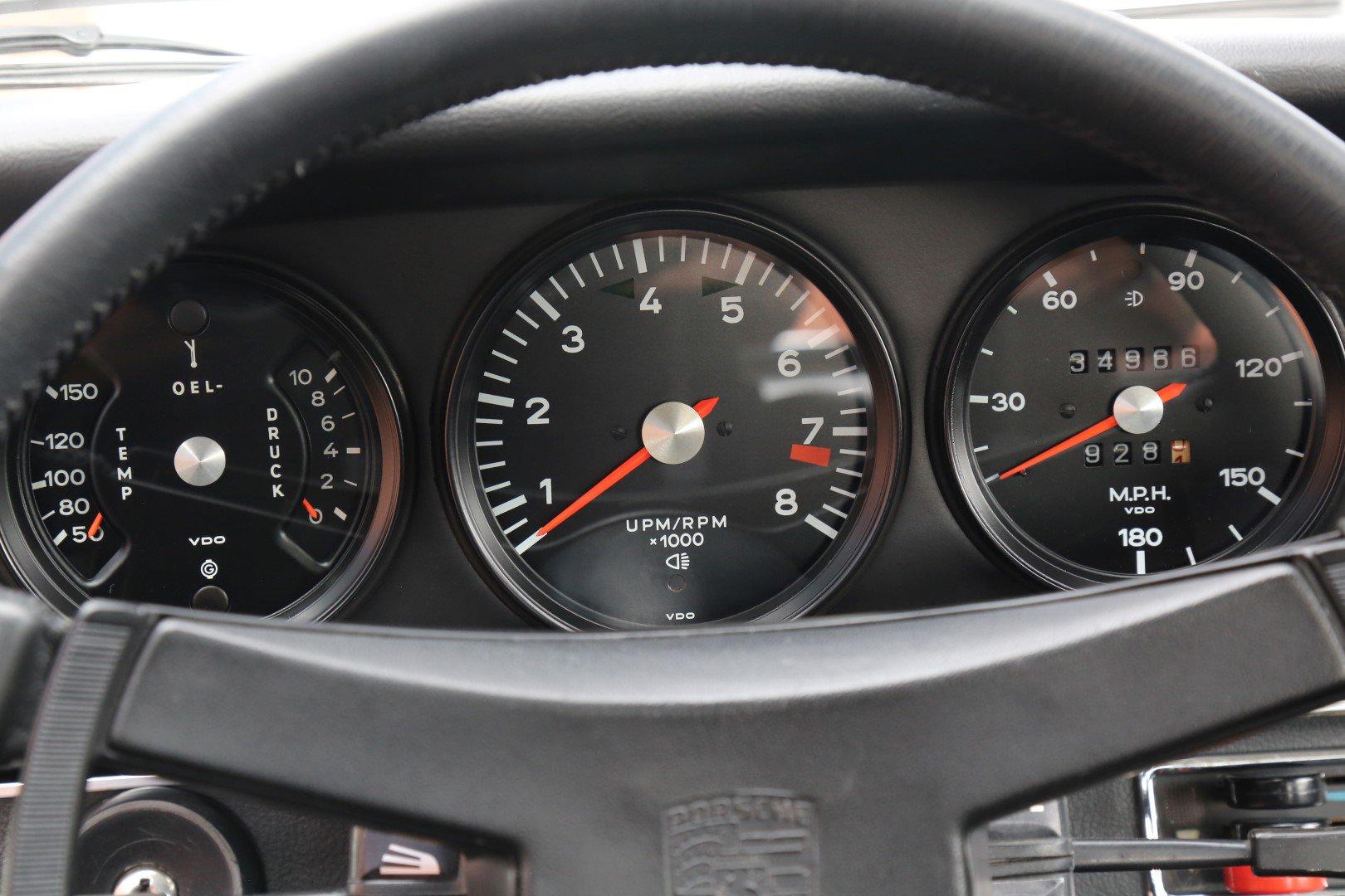 Bảng đồng hồ xe Porsche 911 Carrera RS 2.7 1973