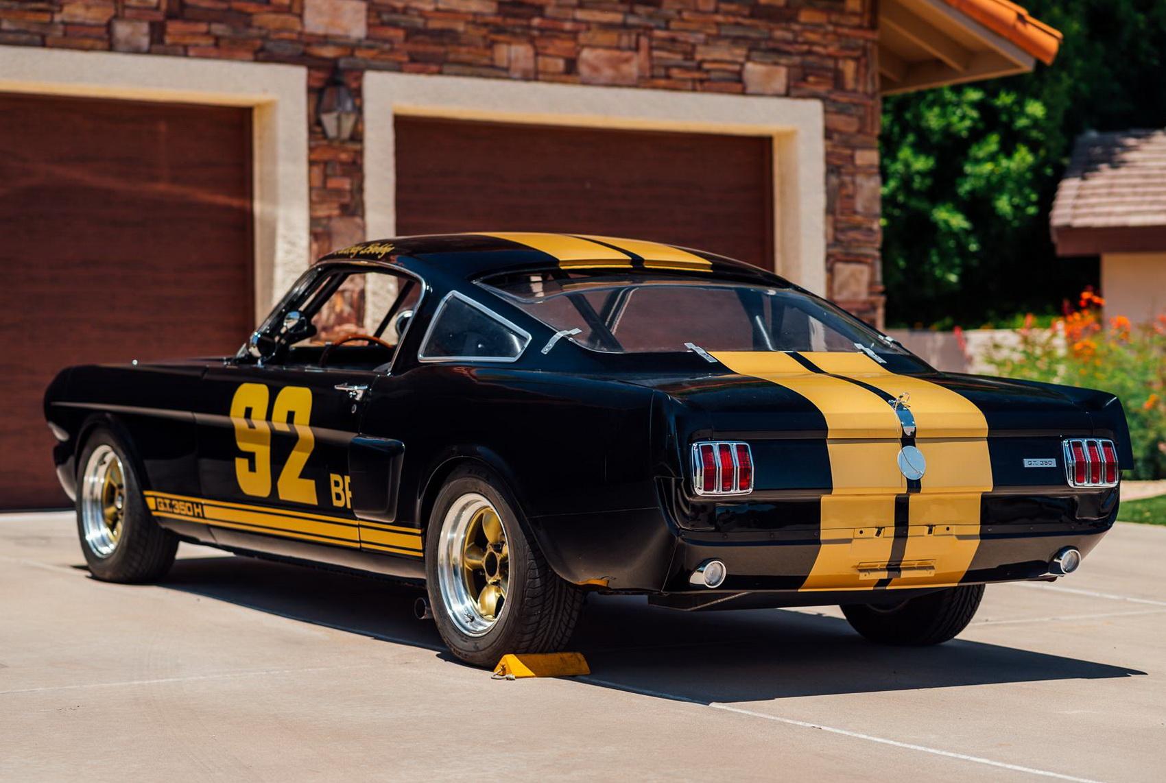 Thiết kế bên hông của xe Shelby Mustang GT350H