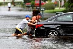 Kinh nghiệm xử lý ô tô bị thủy kích khi mùa mưa sắp tới