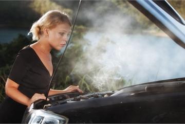 Làm gì khi động cơ ô tô bị nóng?