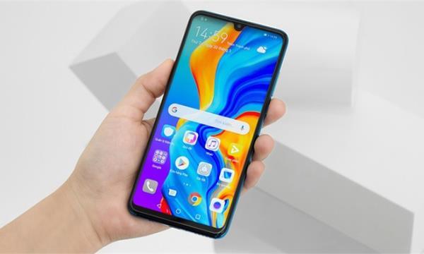 Bất chấp lệnh cấm, Huawei ra mắt smartphone có ứng dụng Google - 1