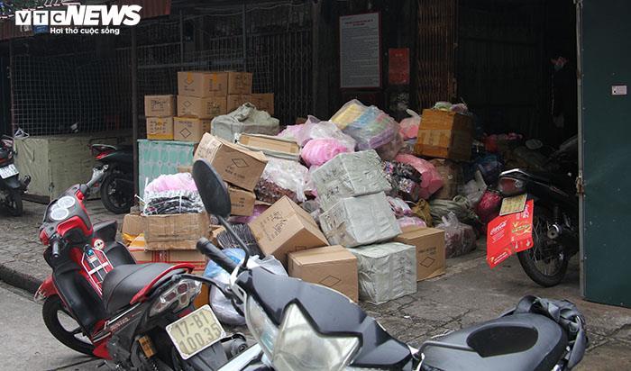 Ảnh: Hai chợ sầm uất nhất Móng Cái đóng cửa, gần 1.000 hộ ngừng kinh doanh - 15