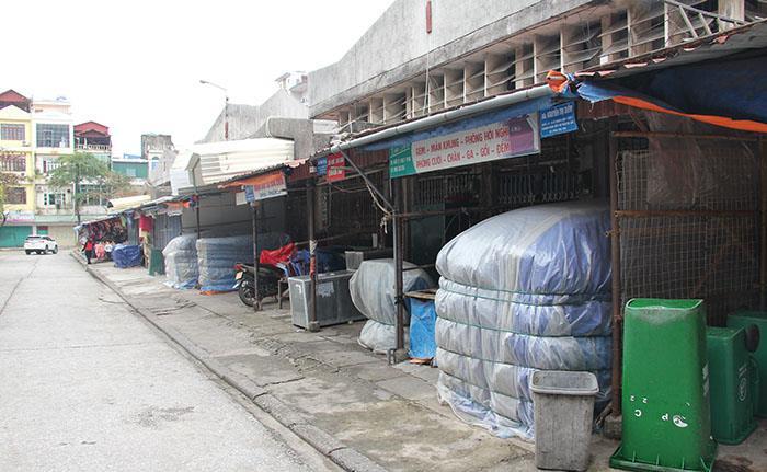 Ảnh: Hai chợ sầm uất nhất Móng Cái đóng cửa, gần 1.000 hộ ngừng kinh doanh - 17